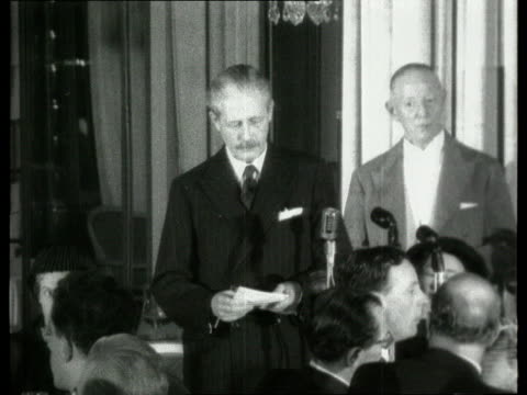 harold macmillan gives speech at foreign press luncheon ***also london dorchester hotel int sv mr harold macmillan mp speech sof we are approaching a... - itv evening bulletin stock videos & royalty-free footage