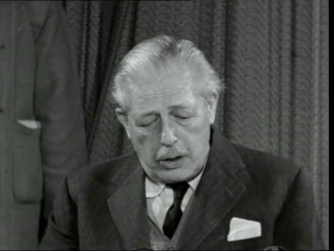 harold macmillan returns from the bahamas b london lap int cs harold macmillan sof president kennedy was very frank he made it clear to me that the... - {{relatedsearchurl(carousel.phrase)}} stock videos & royalty-free footage