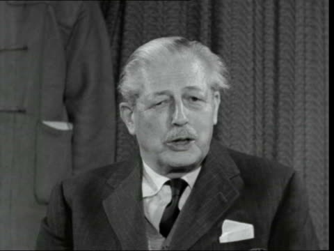 """harold macmillan returns from the bahamas; england: london: lap : int harold macmillan sof: - """"we will be able to spread the cost over our defence... - 北極星点の映像素材/bロール"""