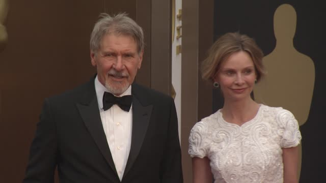 harrison ford and calista flockhart - 86th annual academy awards - arrivals at hollywood & highland center on march 02, 2014 in hollywood, california. - calista flockhart stock-videos und b-roll-filmmaterial