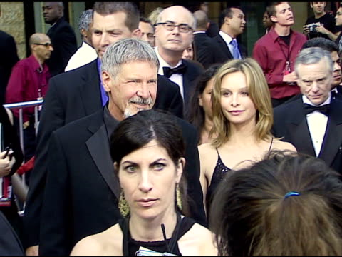 vídeos y material grabado en eventos de stock de harrison ford and calista flockhart at the 34th afi life achievement award a tribute to sean connery at the kodak theatre in hollywood california on... - calista flockhart