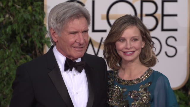 vídeos y material grabado en eventos de stock de harrison ford and calista flockhart at the 73rd annual golden globe awards arrivals at the beverly hilton hotel on january 10 2016 in beverly hills... - calista flockhart