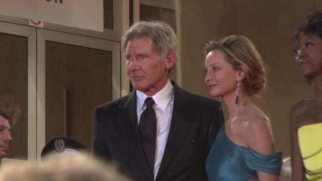 """harrison ford and calista flockhart at the """"indiana jones and the kingdom of the crystal skull"""" in cannes on may 20, 2008. - calista flockhart stock-videos und b-roll-filmmaterial"""