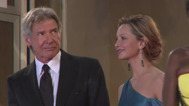 vídeos y material grabado en eventos de stock de harrison ford and calista flockhart at the indiana jones and the kingdom of the crystal skull in cannes on may 20 2008 - calista flockhart
