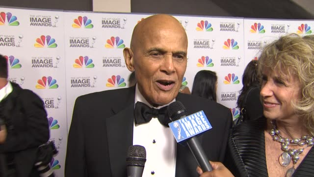 harry belafonte on the event at the 43rd naacp image awards - arrivals on 2/17/12 in los angeles, ca - harry belafonte stock videos & royalty-free footage