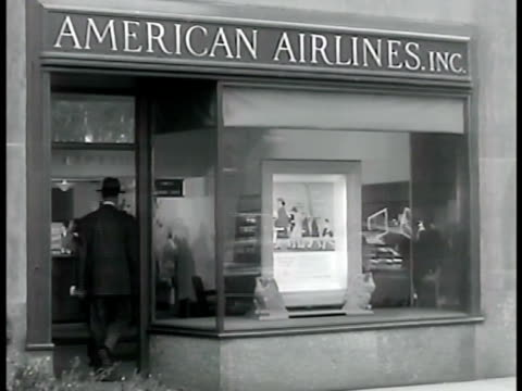harry conover agency receptionist telling client on telephone that patti no longer available ext american airlines office 'patti' asking for tulsa... - flugpassagier stock-videos und b-roll-filmmaterial