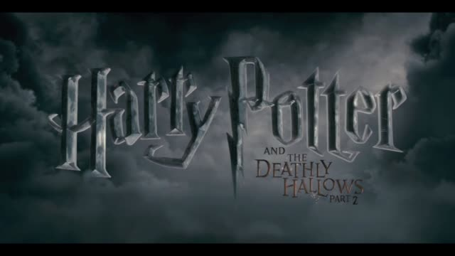 harry potter and the deathly hallows part two world premiere london uk harry potter and the deathly hallows part two world premiere at trafalgar... - harry potter titolo d'opera famosa video stock e b–roll