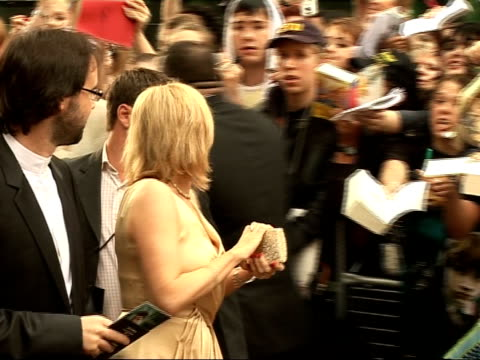 'harry potter and the order of the phoenix' interviews with cast j k rowling signing autographs as along - autogramm stock-videos und b-roll-filmmaterial