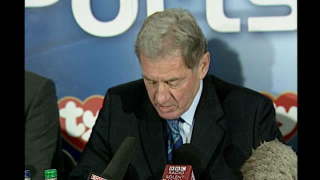harry redknapp arrested on suspicion of fraud tx milan mandaric press conference - ハリー レッドナップ点の映像素材/bロール