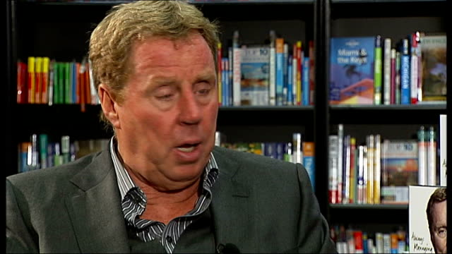 harry redknapp supports jack wilshere over england row central london int redknapp interview sot on his comments that the fa haven't a clue how to... - ハリー レッドナップ点の映像素材/bロール