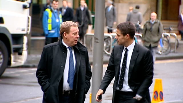 harry redknapp tax evasion trial continues; england: london: southwark crown court: ext **beware flash photography** harry redknapp arriving at court... - ハリー レッドナップ点の映像素材/bロール