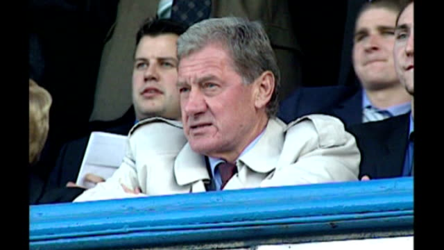 redknapp cleared of tax fraud date hampshire portsmouth fratton park mandaric at match - ハリー レッドナップ点の映像素材/bロール