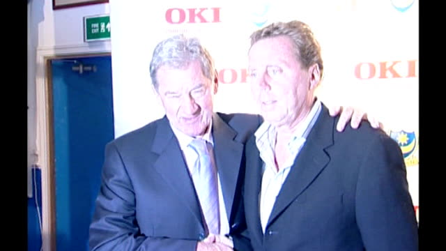 redknapp cleared of tax fraud lib portsmouth photography ** mandaric shaking hands with redknapp as he is unveiled as portsmouth manager ends - リチャード・パロット点の映像素材/bロール