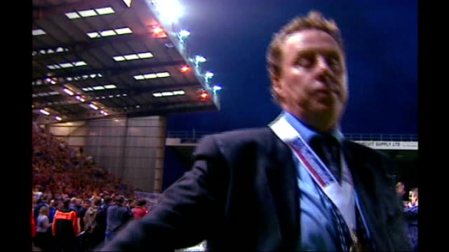 harry redknapp tax evasion trial: redknapp cleared of tax fraud; lib night hampshire: portsmouth: redknapp waving to fans with championship winners... - ハリー レッドナップ点の映像素材/bロール