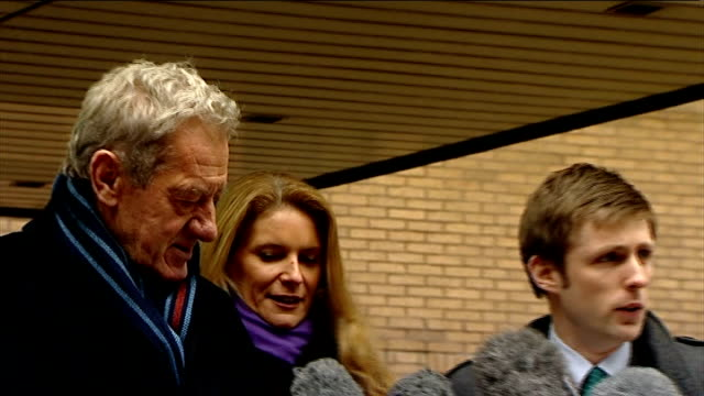 redknapp cleared of tax fraud london southwark milan mandaric with solicitor outside court then solicitor speaking sot press photographers milan... - リチャード・パロット点の映像素材/bロール