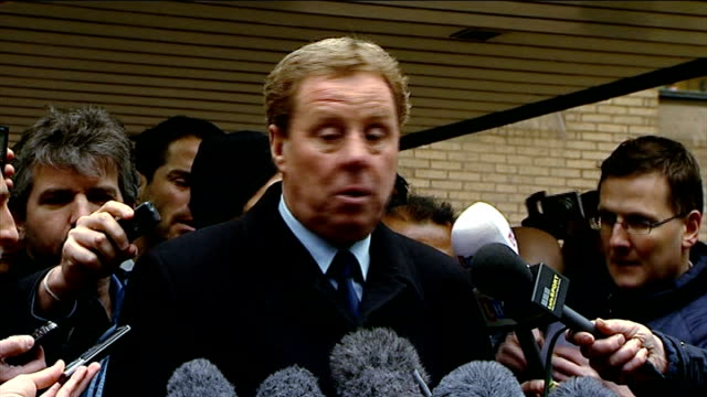 redknapp cleared of tax fraud england london southwark crown court photography ** harry redknapp out of court through cheering supporters and press... - ハリー レッドナップ点の映像素材/bロール