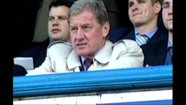 redknapp outburst in court date unknown england hampshire portsmouth fratton park milan mandaric at match 2005 int ** beware mandaric shaking hands... - hampshire stock-videos und b-roll-filmmaterial