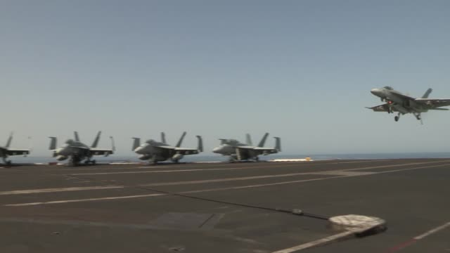 uss harry s truman launches and recovers aircraft in support of operation enduring freedom the uss harry s truman flagship for the harry s truman... - operazione enduring freedom video stock e b–roll