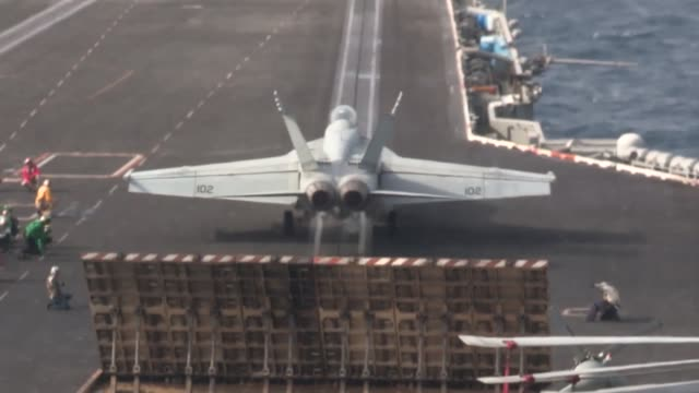 stockvideo's en b-roll-footage met harry s. truman launches and recovers aircraft in support of operation enduring freedom. the uss harry s. truman, flagship for the harry s. truman... - operation enduring freedom