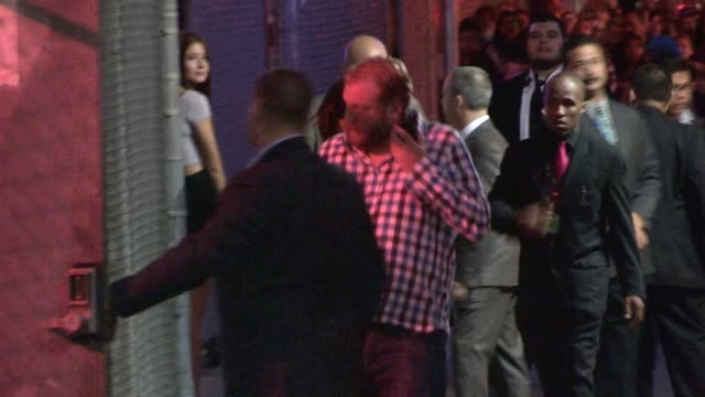 harry styles & zayn malik departing the jimmy kimmel studio in hollywood in celebrity sightings in los angeles, - ゼイン・マリク点の映像素材/bロール