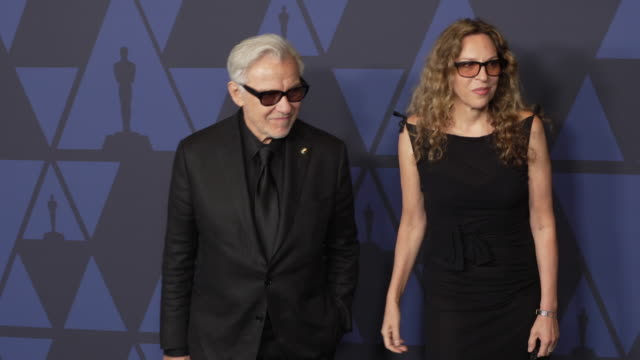 harvey keitel and daphna kastner at the 2019 governors awards on october 26, 2019 in hollywood, california. - ハーヴェイ カイテル点の映像素材/bロール
