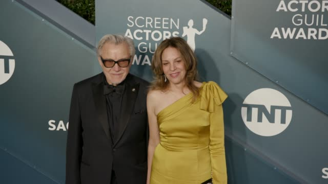 harvey keitel and daphna kastner at the 26th annual screen actorsguild awards - arrivals at the shrine auditorium on january 19, 2020 in los... - ハーヴェイ カイテル点の映像素材/bロール
