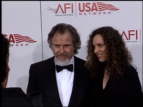 harvey keitel at the afi awards honoring robert de niro at the kodak theatre in hollywood, california on june 12, 2003. - ハーヴェイ カイテル点の映像素材/bロール