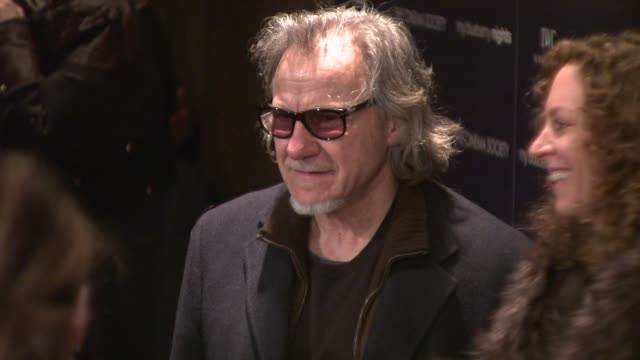"""harvey keitel at the """"my blueberry nights"""" premiere at the tribeca grand screening room in new york, new york on april 2, 2008. - ハーヴェイ カイテル点の映像素材/bロール"""
