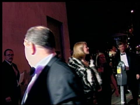 harvey weinstein at the 2002 academy awards vanity fair party at morton's in west hollywood, california on march 24, 2002. - oscarsfesten bildbanksvideor och videomaterial från bakom kulisserna