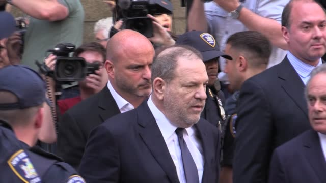 harvey weinstein pleads not guilty to sex charges at arraignment leaves new york city courthouse with lawyer benjamin brafman - 無罪点の映像素材/bロール