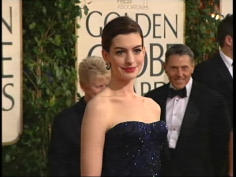 hathaway tilt down and back up gown mcu hathaway posing and smiling - the beverly hilton hotel stock videos & royalty-free footage