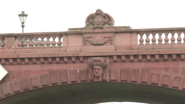 hauptbahnhof, berlin - arch bridge stock videos and b-roll footage