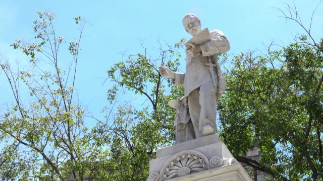 havana cuba: statue of francisco de albear in a small park in the old part of the city - vento stock videos & royalty-free footage