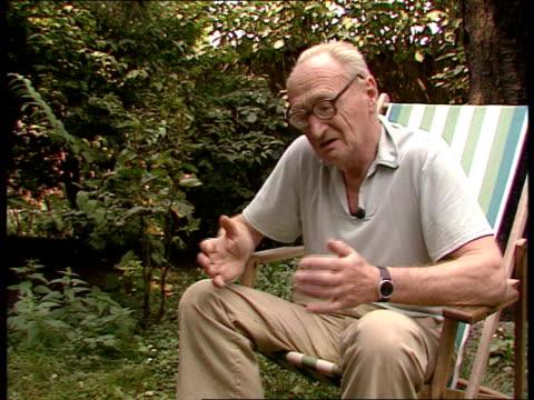 havel / hajek / horeni interviews former czech foreign minister jiri hajek along with dog dr jiri hajek interview sot int zdenek horeni working at... - 1989 stock-videos und b-roll-filmmaterial