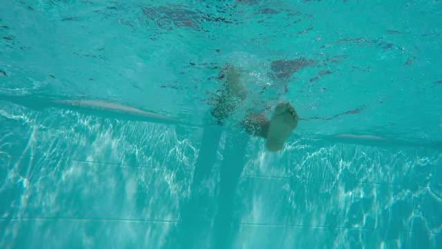 vídeos y material grabado en eventos de stock de divertirse en el agua. - planta del pie