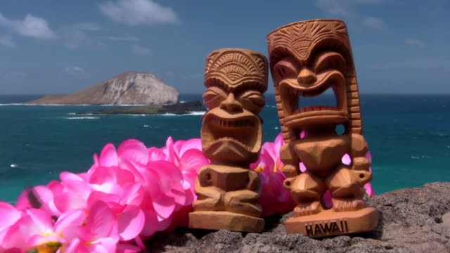 hawaii island tiki lei polynesia waikiki honolulu oahu maui - big island hawaii islands stock videos and b-roll footage