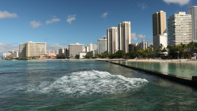 vídeos de stock, filmes e b-roll de eua, hawaii, oahu, praia de waikiki - usa