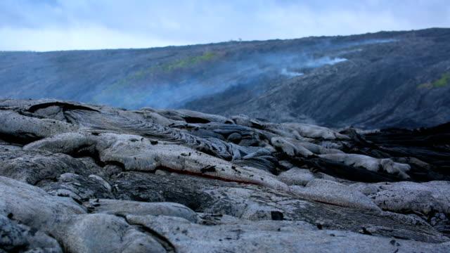 vídeos y material grabado en eventos de stock de parque nacional volcanes de hawaii - metal fundido