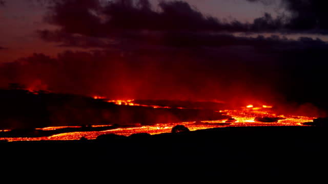 hawaii's kilauea volcano lava flowing rapidly at sanborn quarry - kilauea stock videos & royalty-free footage