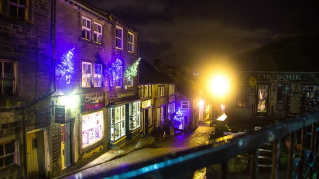 Haworth Main Street at Christmas - Time Lapse