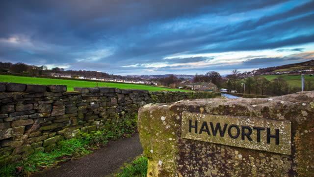 Haworth Ortsschild - Zeitraffer