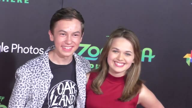 vidéos et rushes de hayden byerly at the zootopia premiere at el capitan theatre in hollywood at celebrity sightings in los angeles on february 17 2016 in los angeles... - cinéma el capitan