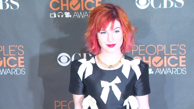 hayley williams at the 36th annual people's choice awards at los angeles ca. - people's choice awards stock videos & royalty-free footage