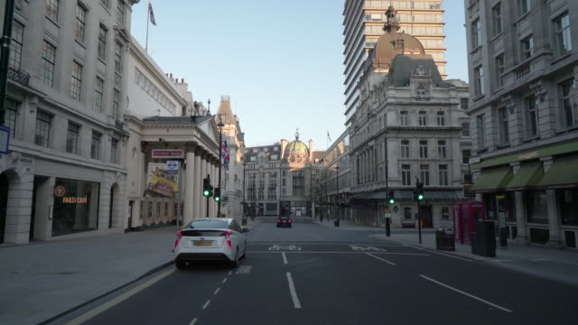 haymarket london, devoid of people and traffic at dusk - abandoned stock videos & royalty-free footage