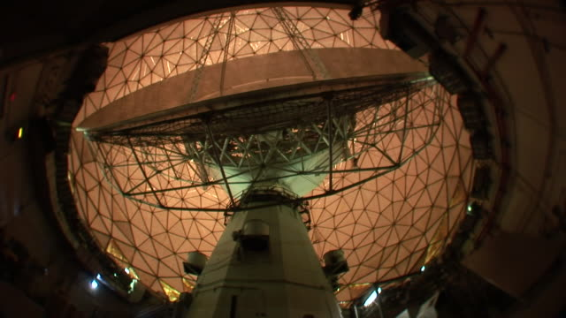 ms haystack telescope of giant dish antenna turning inside geodesic dome / westford, massachusetts, usa  - haystack stock videos & royalty-free footage