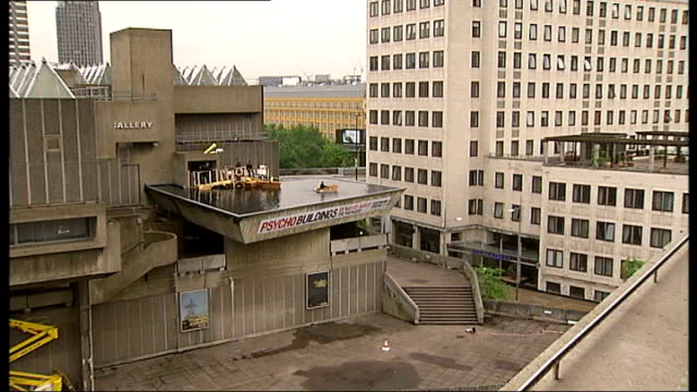 hayward gallery 40th anniversary 'psycho buildings' exhibition preview ext reporter to camera as rowing on boating lake installation by austrian art... - österreichische kultur stock-videos und b-roll-filmmaterial