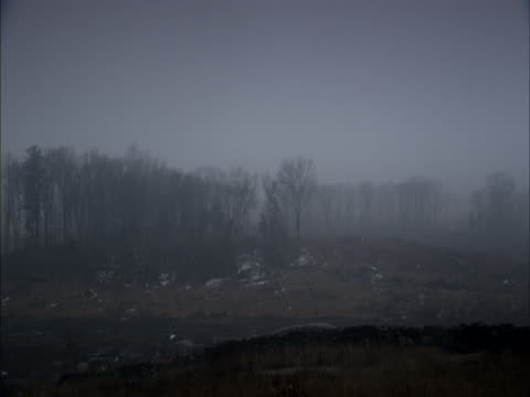 a haze drifts over an autumn countryside. - gettysburg stock videos & royalty-free footage