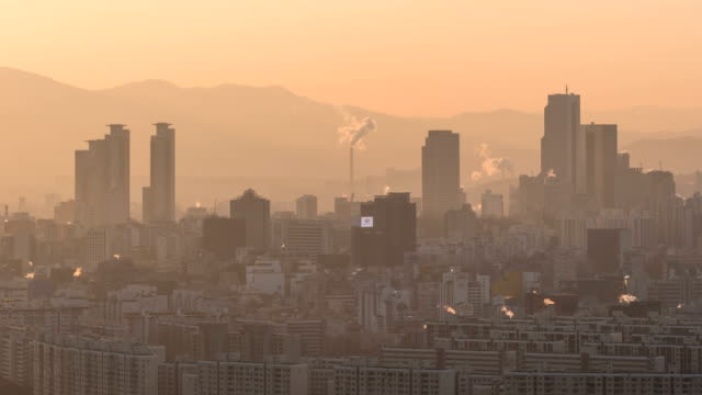 hazy cityscape of residential district in samseong-dong, gangnamgu - 人口爆発点の映像素材/bロール