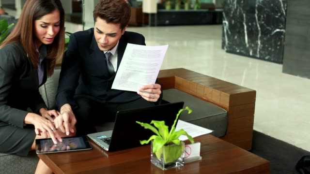 hd:businesspeople having informal meeting outdoor. - formal businesswear stock videos & royalty-free footage