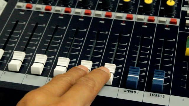 HD:Close-up Live Mixing Desk